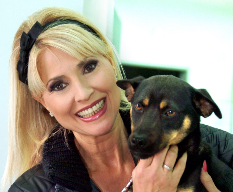 פנינה רוזנבלום והכלבה נינט