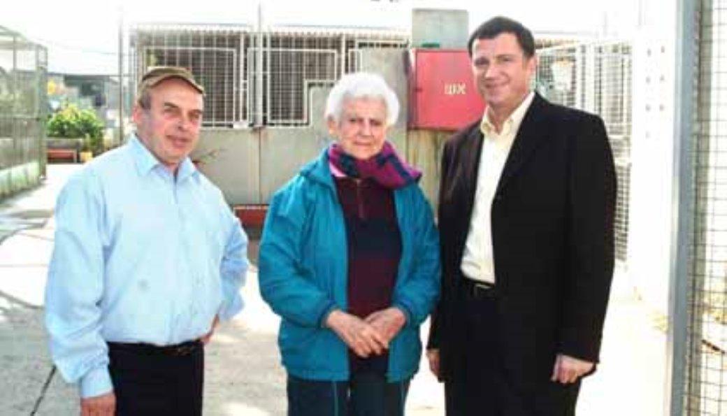 """חברי הכנסת נתן שרנסקי ויולי אדלשטיין עם יו""""ר האגודה הילדה פרידשטיין"""